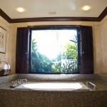 Sheraton Maui - Hawaii - bathtub