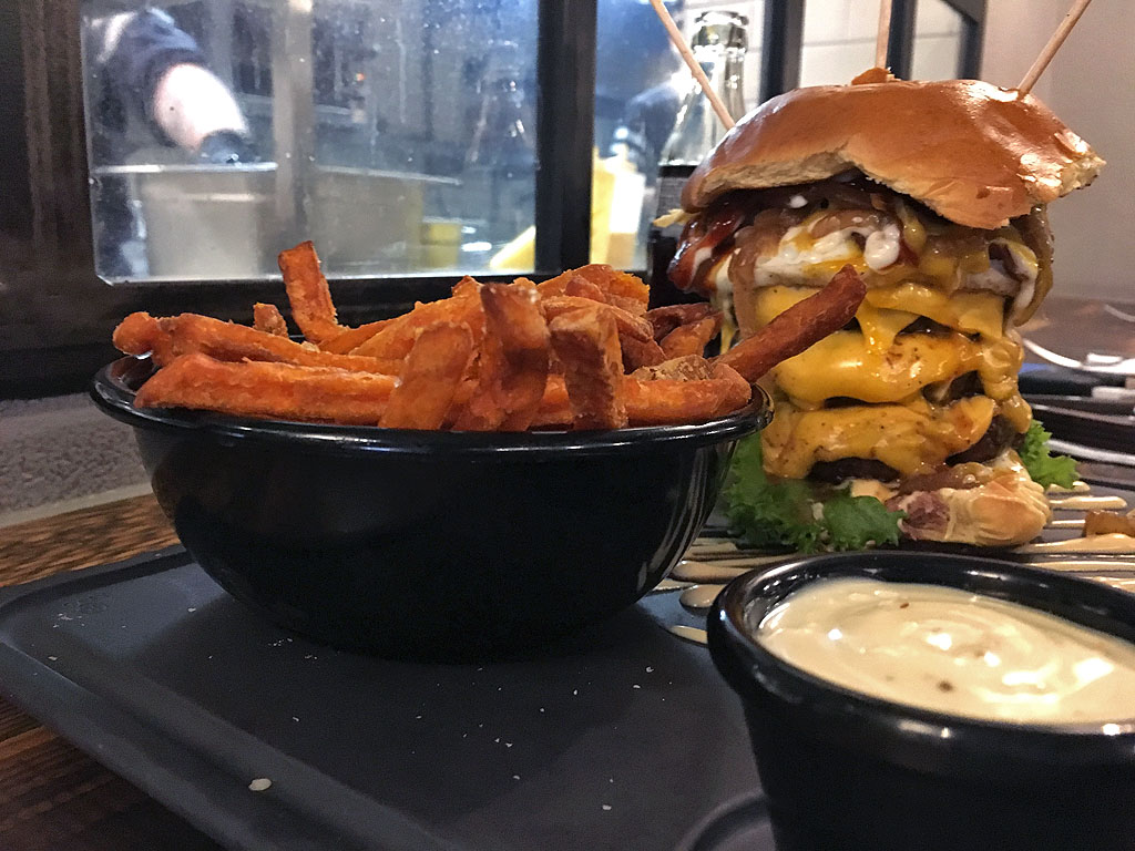 Dulf's Burger - Dulfs Burger